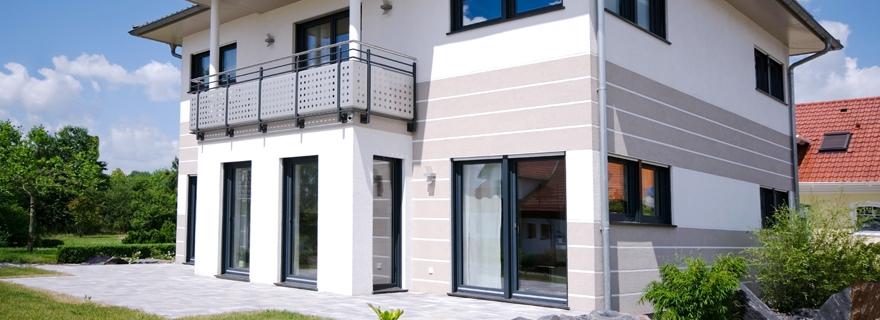 Einfamilienhaus mit 3 6 kinderzimmern f r gro familien for Modernes haus 2 etagen